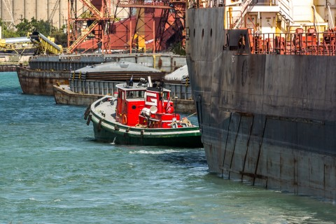 Tug-Massachusetts-Radcliffe-R.-Latimer-Chicago-2015-cbdouglas